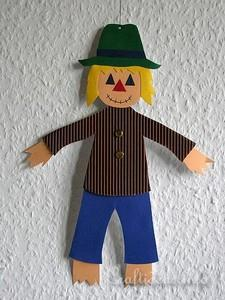 Wooden Scarecrow and Pumpkin Crafts